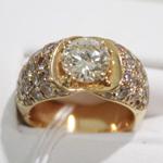 ゴールドのダイヤリング