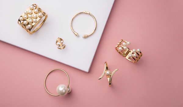 指輪やネックレス